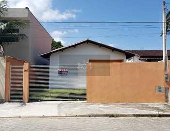 Casa, código 881 em Caraguatatuba, bairro Massaguaçu