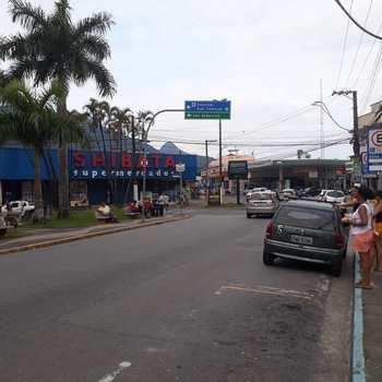 Prédio Comercial em Caraguatatuba, bairro Centro