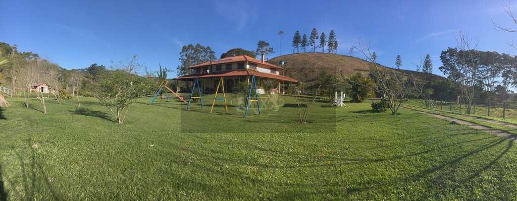 Sítio em Natividade da Serra, no bairro Pouso Alto