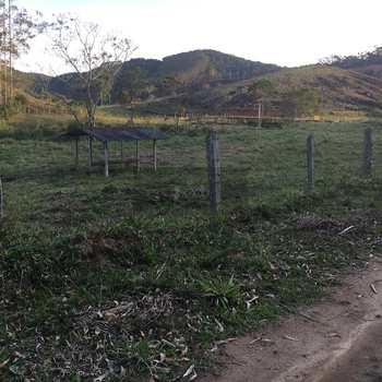 Sítio em Natividade da Serra, bairro Pouso Alto