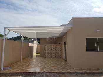 Casa, código 901 em Caraguatatuba, bairro Massaguaçu