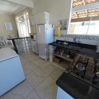 Casa de Condomínio em Caraguatatuba, bairro Pegorelli