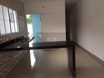 Casa, código 923 em Caraguatatuba, bairro Massaguaçu