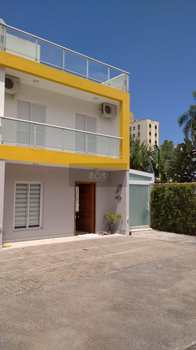 Sobrado de Condomínio, código 930 em Caraguatatuba, bairro Massaguaçu