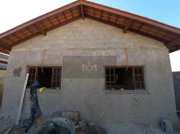 Casa, código 946 em Caraguatatuba, bairro Jardim Tarumãs