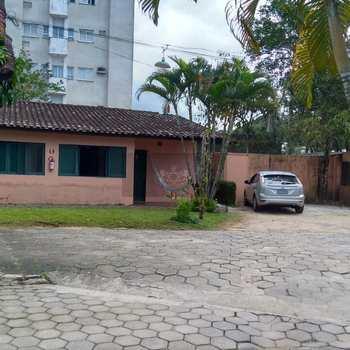 Casa de Condomínio em Caraguatatuba, bairro Jardim Casa Branca
