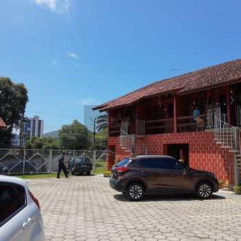 Casa de Condomínio em Caraguatatuba, bairro Prainha