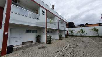 Casa de Condomínio, código 1026 em Caraguatatuba, bairro Massaguaçu