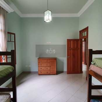 Casa em Caraguatatuba, bairro Jardim Britânia