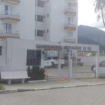 Apartamento em Caraguatatuba, bairro Balneário Copacabana