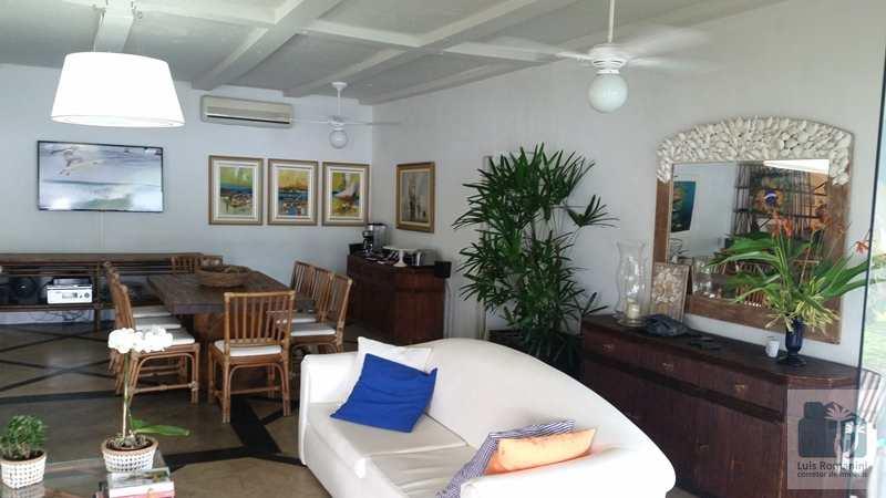 Conjunto Comercial em Angra dos Reis, no bairro Aeroporto (Cunhambebe)