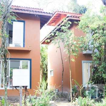 Casa de Condomínio em São Sebastião, bairro Sertão do Camburi