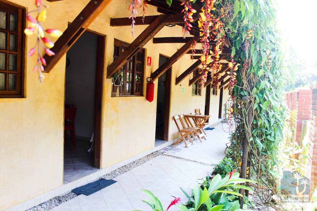 Casa de Condomínio em São Sebastião, no bairro Camburi