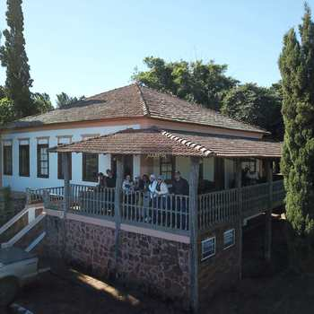 Fazenda em Torrinha, bairro Centro