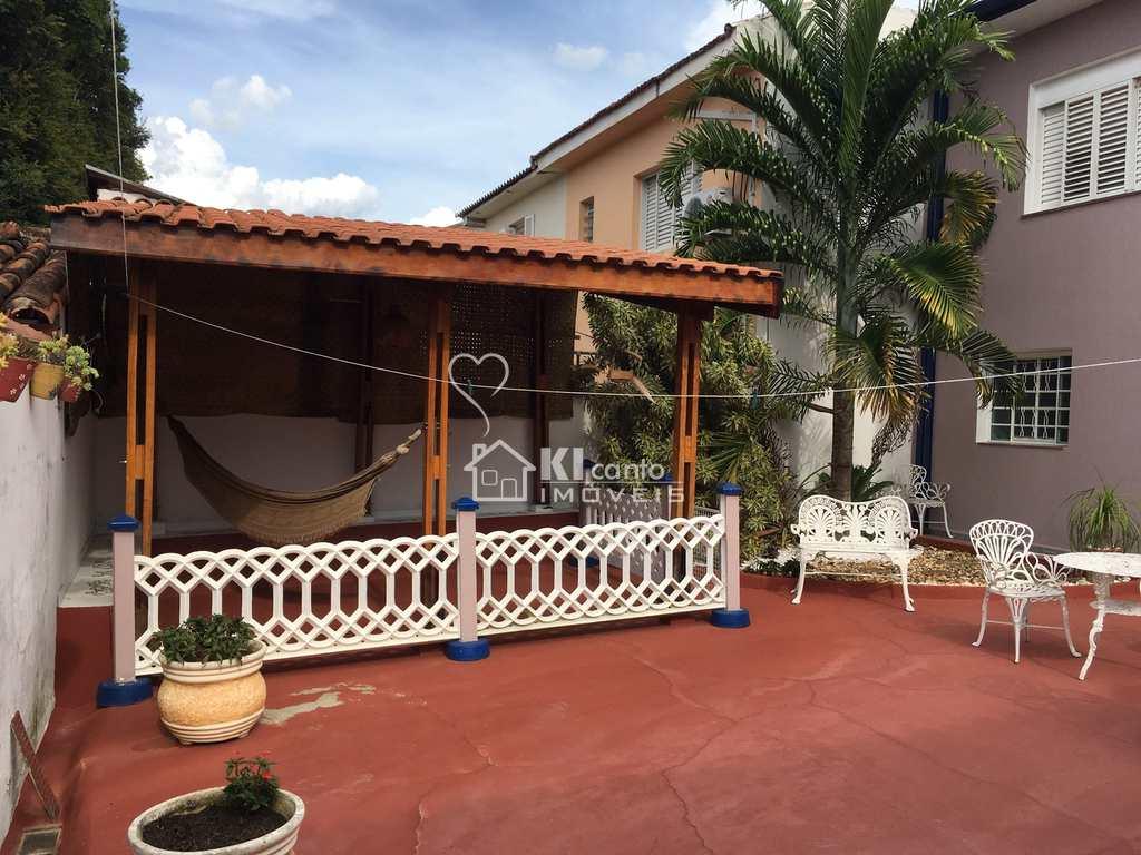 Casa em Atibaia, no bairro Centro