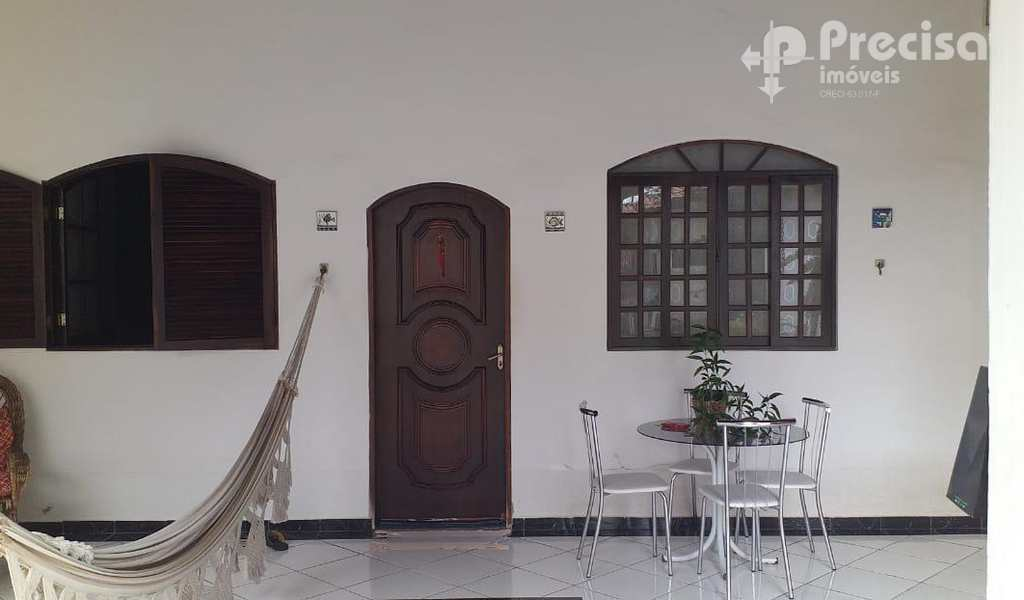 Casa em Lorena, bairro Vila Geny