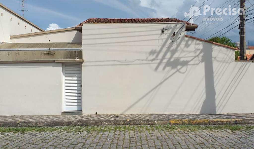 Casa em Lorena, bairro Olaria