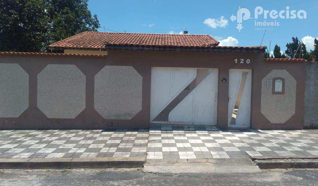 Casa em Lorena, bairro Parque Mondesir
