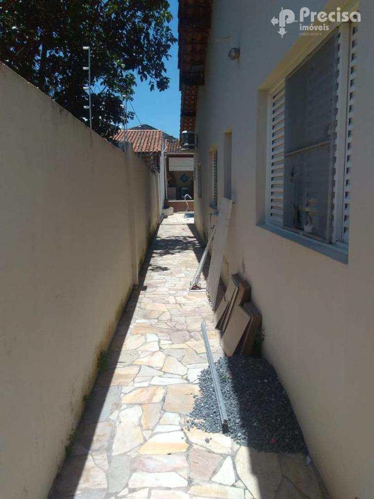 Casa em Lorena, no bairro Parque Mondesir