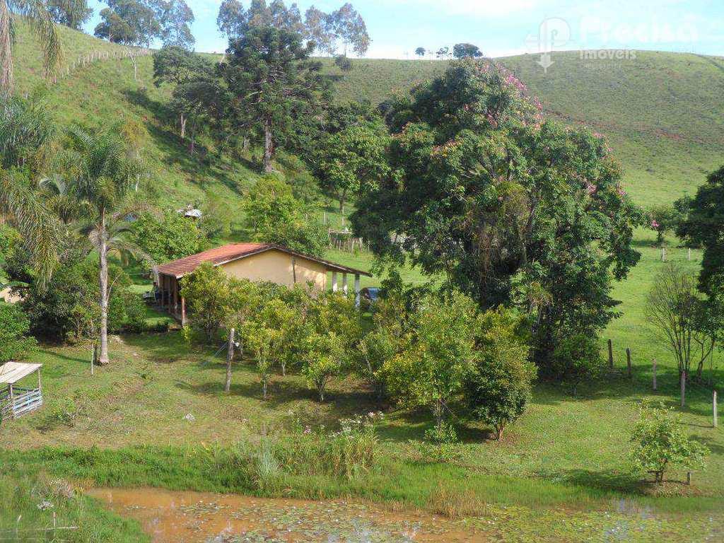 Chácara em Guaratinguetá, no bairro Rocinha