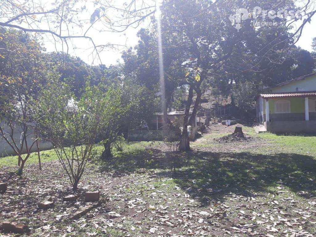 Chácara em Cachoeira Paulista, no bairro Embaú