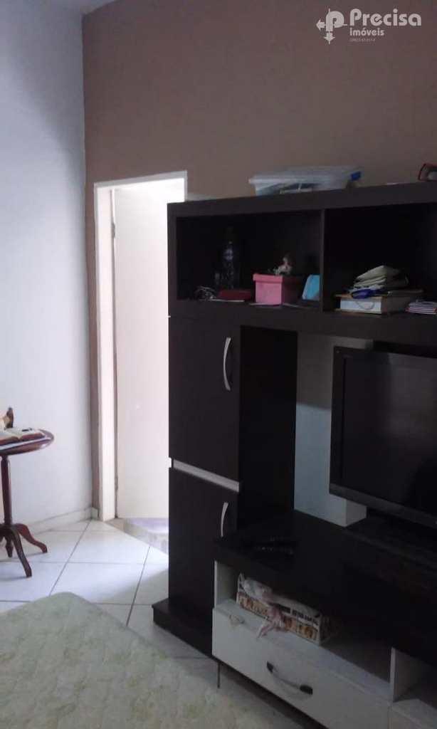 Casa em Lorena, no bairro Vila Geny