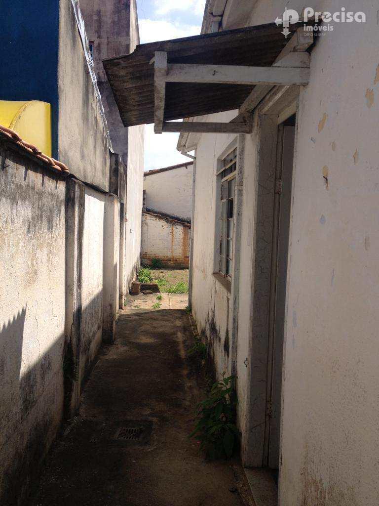 Casa em Lorena, no bairro Centro