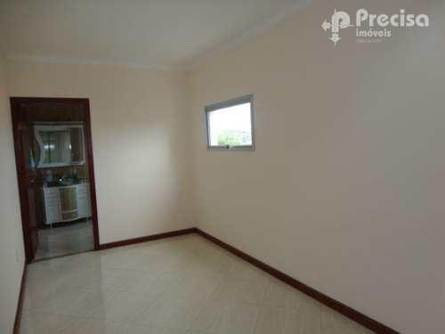 Apartamento, código 59921158 em Lorena, bairro Olaria