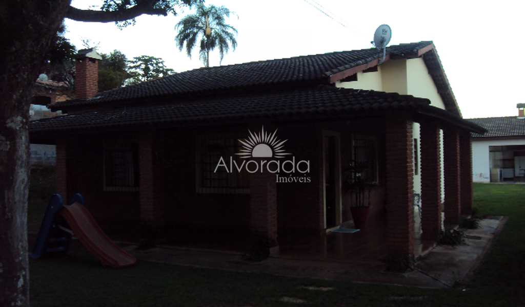 Casa em Itatiba, bairro Jardim Leonor
