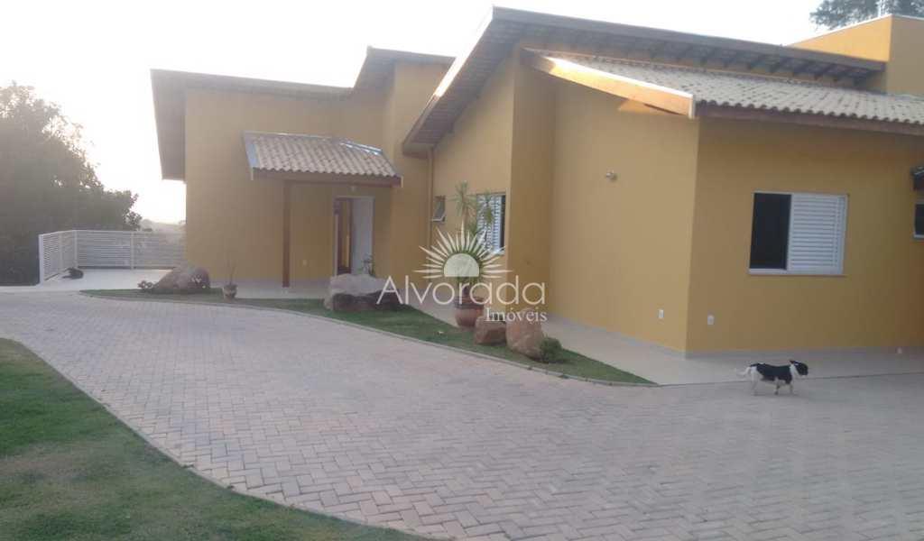 Casa de Condomínio em Valinhos, bairro Nova Suiça