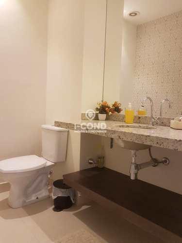 Apartamento, código 62753563 em Santos, bairro Marapé
