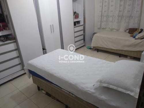 Apartamento, código 62218644 em Santos, bairro Embaré