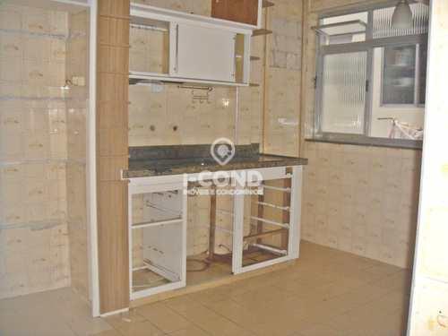 Apartamento, código 54620624 em Santos, bairro Embaré
