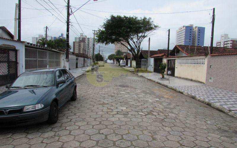 Casa em Praia Grande, no bairro Balneário Maracanã