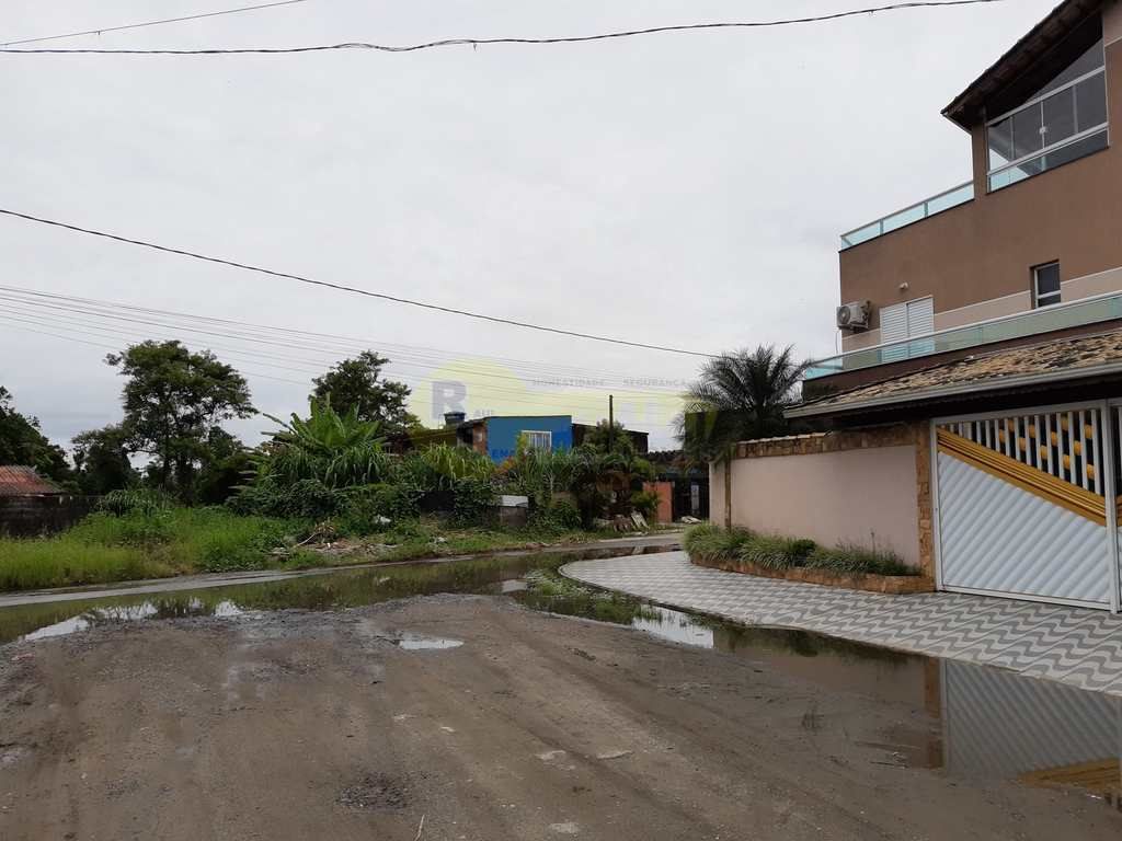Sobrado em Praia Grande, no bairro Princesa