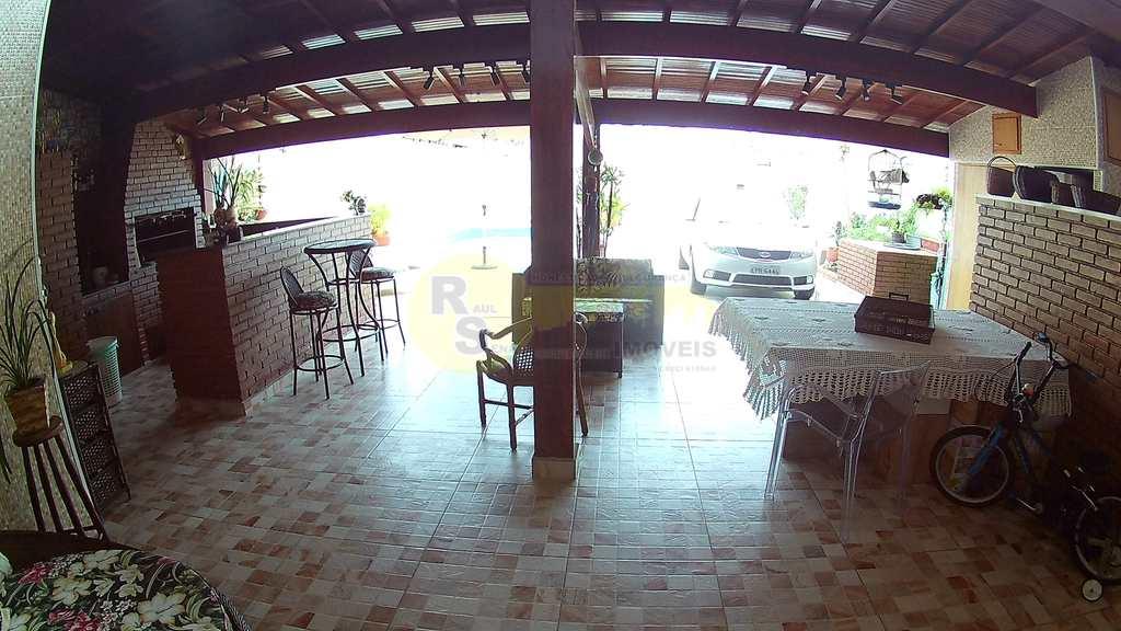 Casa em Praia Grande, no bairro Tupi