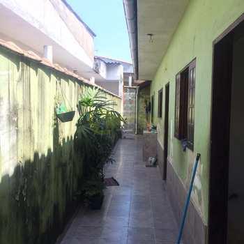Casa em Praia Grande, bairro Tupiry