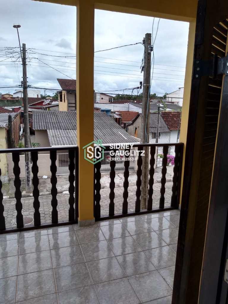 Sobrado em Cananéia, no bairro Rocio