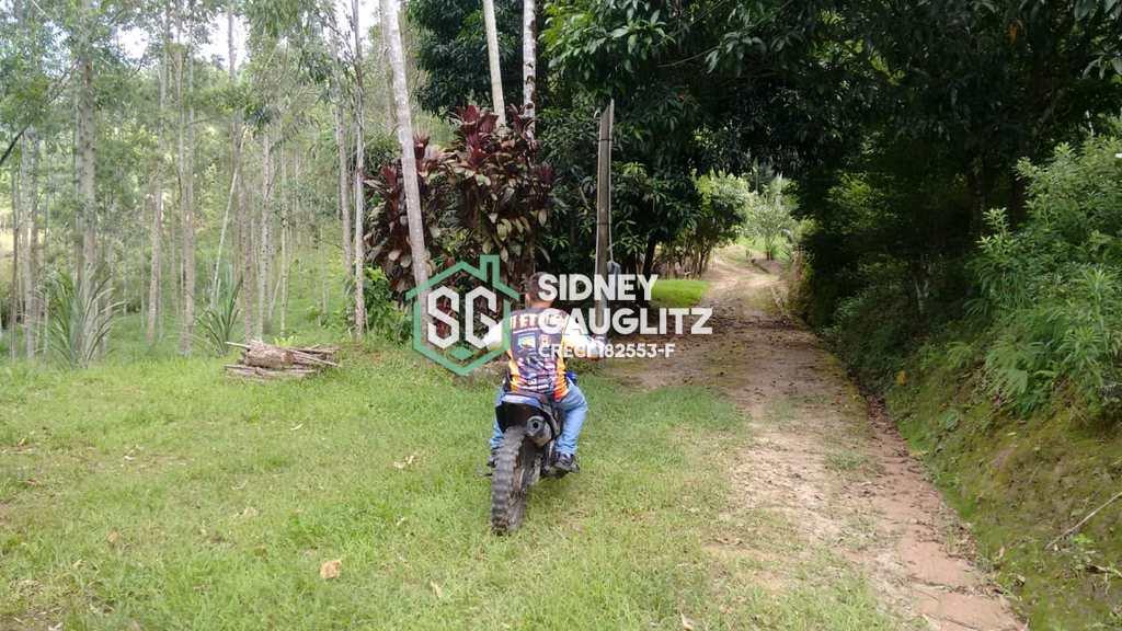 Sítio em Jacupiranga, no bairro Estrada Jacupiranga/cananéia