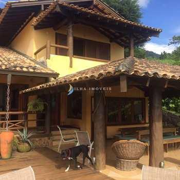 Casa em Ilhabela, bairro Armação