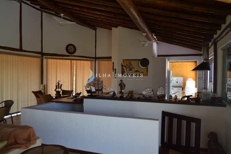 Casa em Ilhabela, no bairro Siriúba I