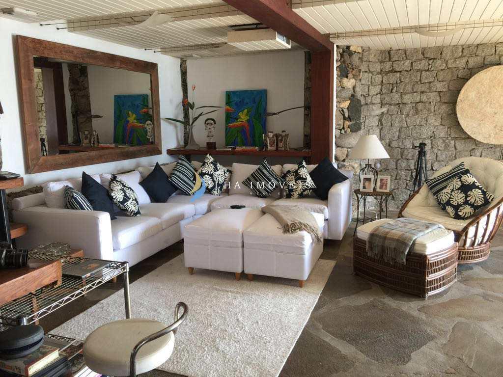 Casa em Ilhabela, no bairro Praia do Curral