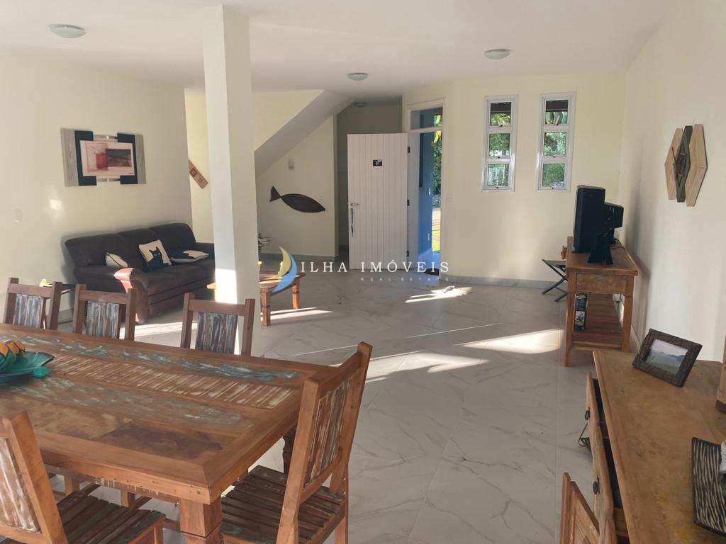 Casa de Condomínio em Ilhabela, no bairro Veloso