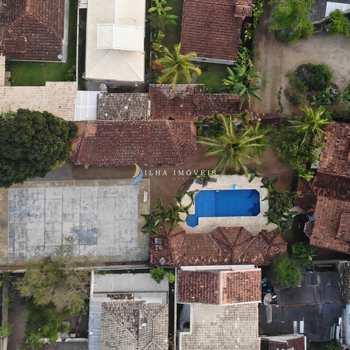 Casa em Ilhabela, bairro Perequê