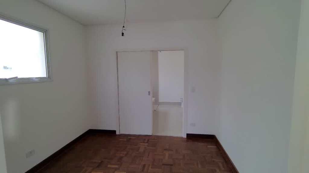 Sobrado de Condomínio em Santana de Parnaíba, no bairro Alphaville