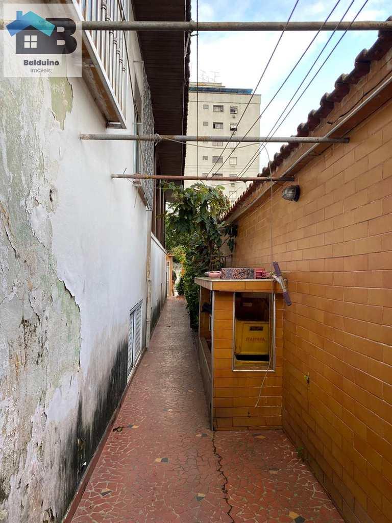 Casa Comercial em Santos, no bairro Aparecida