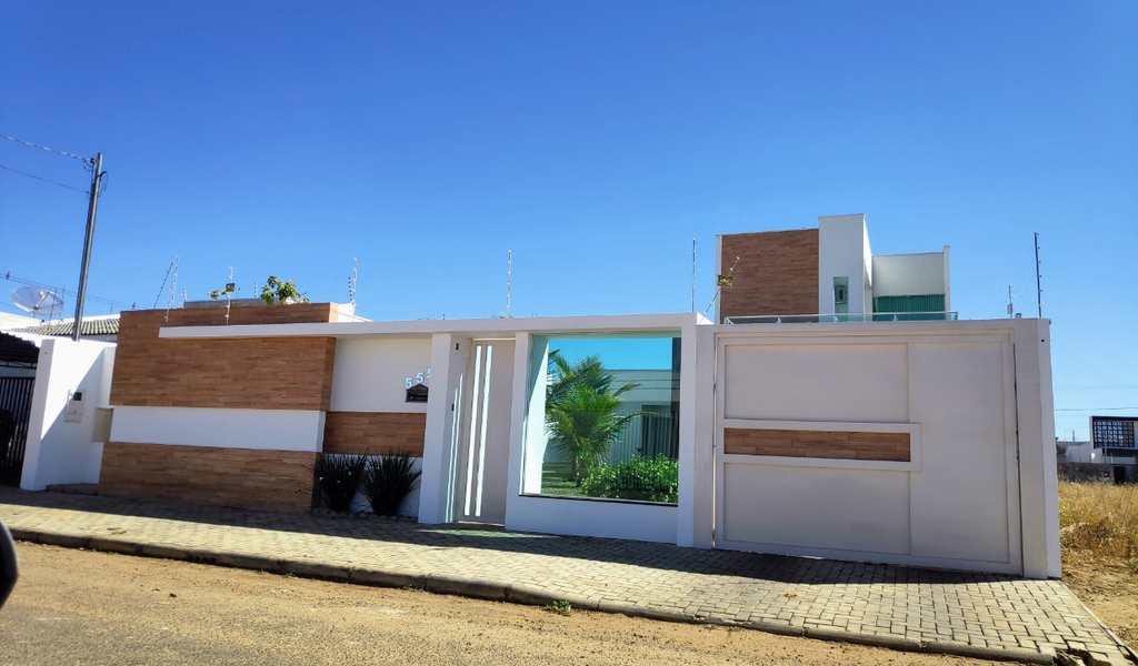 Casa em Primavera do Leste, bairro Jardim Luciana