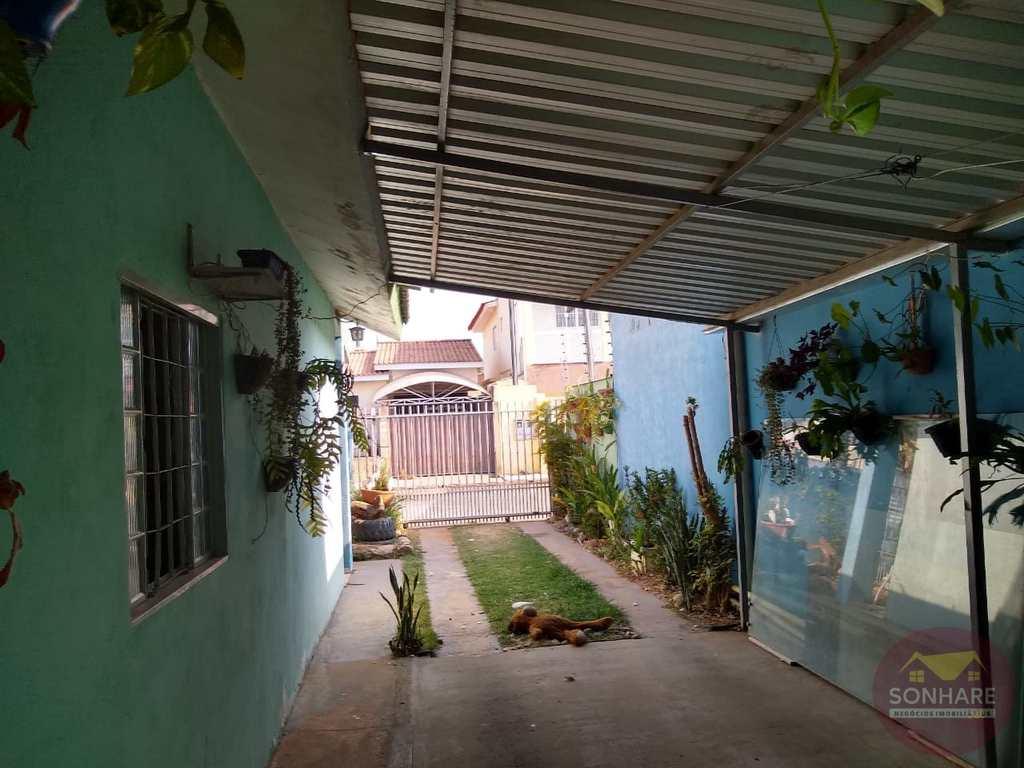 Casa em Primavera do Leste, no bairro Centro