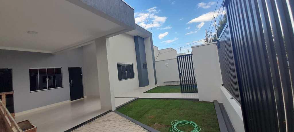 Casa em Primavera do Leste, no bairro Buritis I