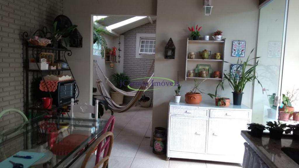Casa em São Pedro, no bairro Jardim Botânico